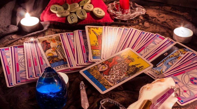 Some People Excel At Tarot Card Reading